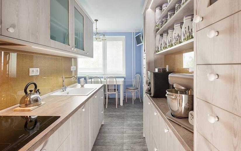 Kuchyň V Paneláku Dvě Originální řešení Kvalitnitruhlaricz